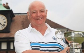 Bryan Hughes wins the Seniors Amateur Championship